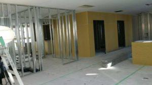 新築工事の壁・床張替え